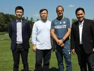 Patron Zhang conquista Milano, ora l'Inter cinese si fida di De Boer