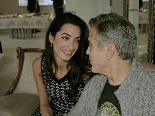 Clooney e Amal, le prime foto del pancione