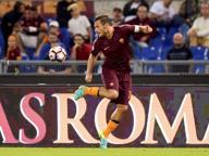 Serie A, Roma-Crotone 4-0 è il Totti show con assist e magie per tutti