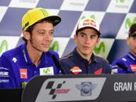 Rossi e Lorenzo, sempre scintille Il sorpasso di Misano divide ancora