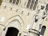 Mps, il palazzo d'oro a Leccee l'autogol a Caserta