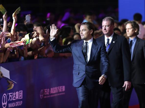 L'attore americano Leonardo DiCaprio nel 2013 a Qingdao: grande festa di apertura lavori per la Oriental Movie Metropolis di Wanda, una Hollywood cinese da 8 miliardi di dollari (Reuters)