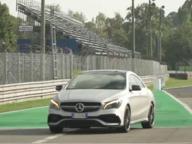 Tutta la potenza delle Mercedes AMG tra le chicane della pista di Monza