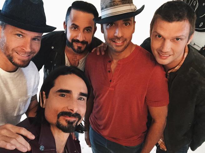 «Backstreet Boys»: la boy band che conquistò una generazione torna per 18 date live (ma sono tutte a Las Vegas)