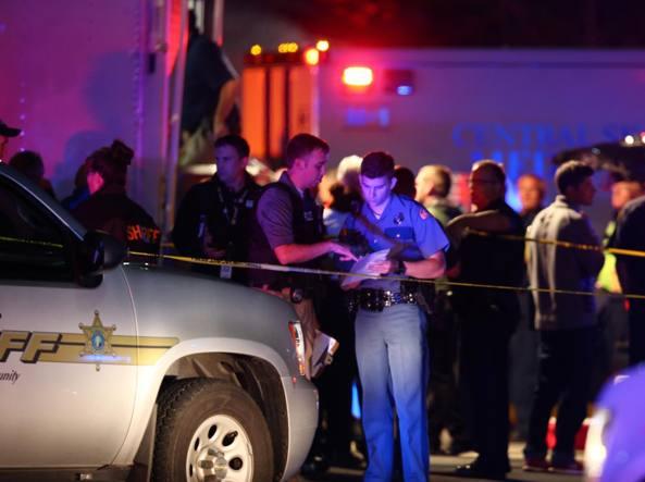 Sparatoria in un centro commerciale vicino a Seattle, tre morti