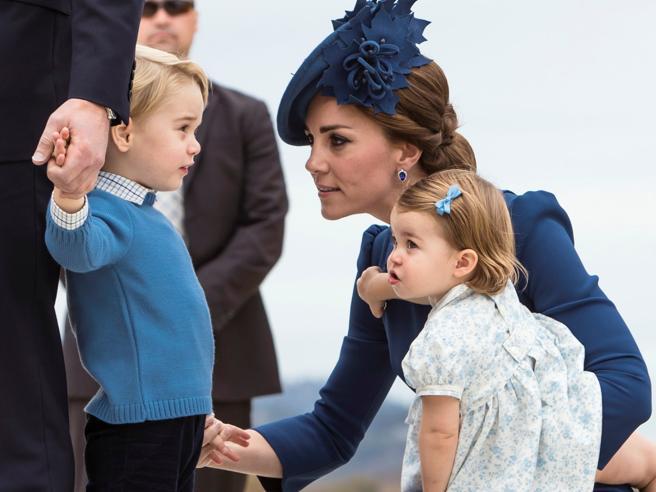 Duchi di Cambridge in visita in Canada, coccole e capricci per il principino George e la sorellina Charlotte