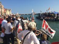 Venezia, corteo i No alle grandi navi: «Abbandonati dal governo»