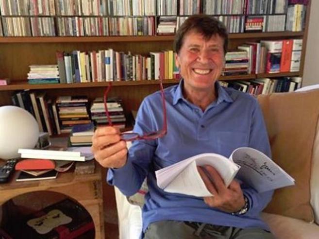 Morandi su Facebook: «Oggi è domenica e non mi muovo da casa»