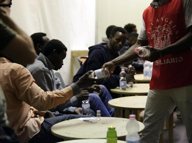Finiti i soldi per i migranti: ora servono 600 milioni