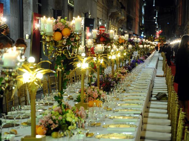 Dolce & Gabbana, tavolo per 400. I millennials a cena in via Monte Napoleone