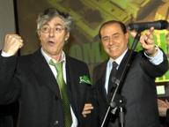 Bossi: voglio bene a Berlusconi, ho sofferto come lui. Quelle sere ad Arcore tra politica e minestrina