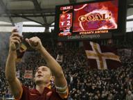 I quarant'anni del capitano: la notte da favola di Totti re di Roma