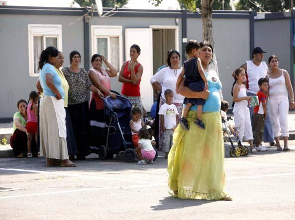 Segnalati 22 rom «poveri» con 6 milioni di euro in banca (Imagoeconomica)
