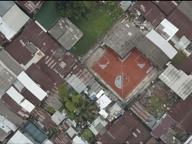 A freccia, sfalsati, con gli angoli: gli assurdi campi da calcio di Bangkok