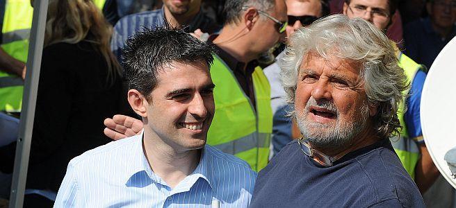 Pizzarotti e Grillo nel settembre 2012 (archivio Corriere/Ansa)