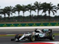 F1, Gp Malesia: Hamilton pole record Le Ferrari soltanto in terza fila
