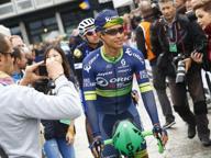 Giro di Lombardia, Chaves vince in volata bruciando Rosa sul traguardo