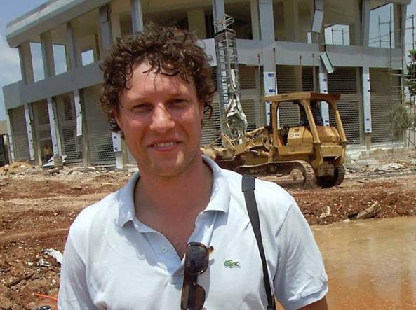 Libia, ucciso un fotoreporter olandese