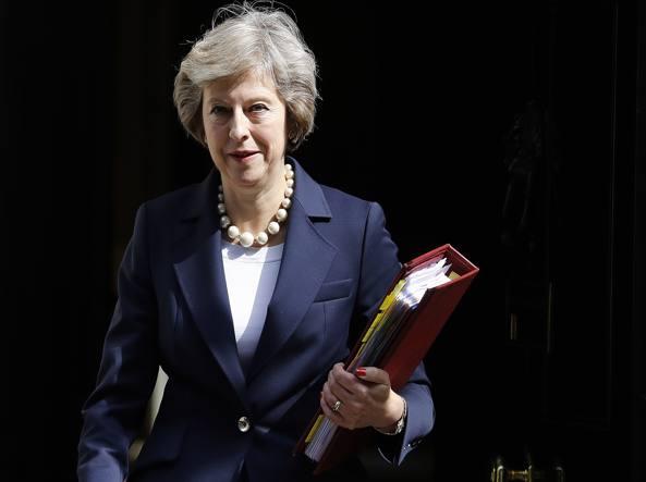 Theresa May: la Brexit partirà prima delle elezioni federali tedesche