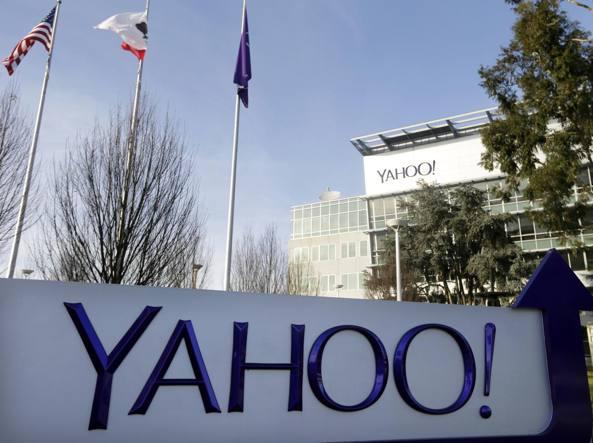 Bufera su Yahoo, milioni email a 007 Usa