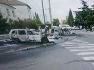 Parigi, molotov contro auto di polizia Colpiti due agenti: gravissimi
