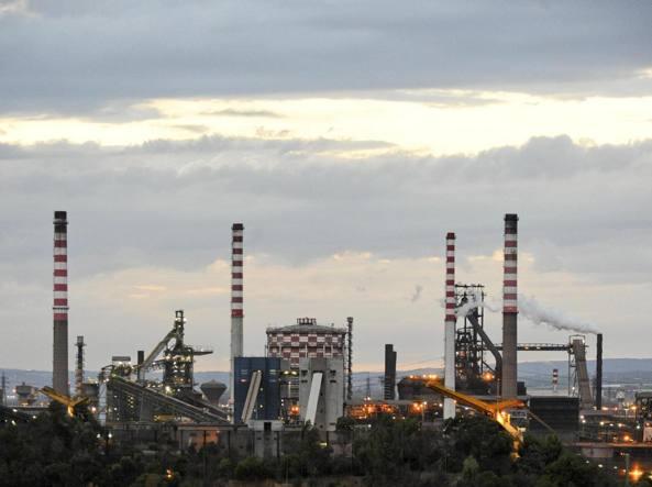 Taranto, Emiliano: studiamo come decarbonizzare la Puglia