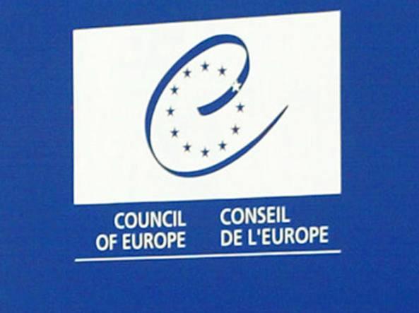 Fecondazione, Consiglio d'Europa boccia rapporto su maternità surrogata