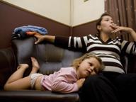 L'allarme dei pediatri: un bambino su cinque cresce in una casa dove si fuma