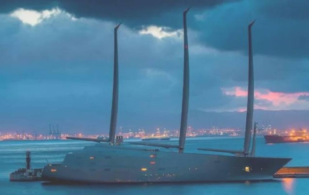 yacht01_MGZOOM.JPG