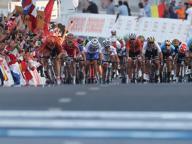 Mondiali di ciclismo a Doha, lo sport cercala volpe del deserto