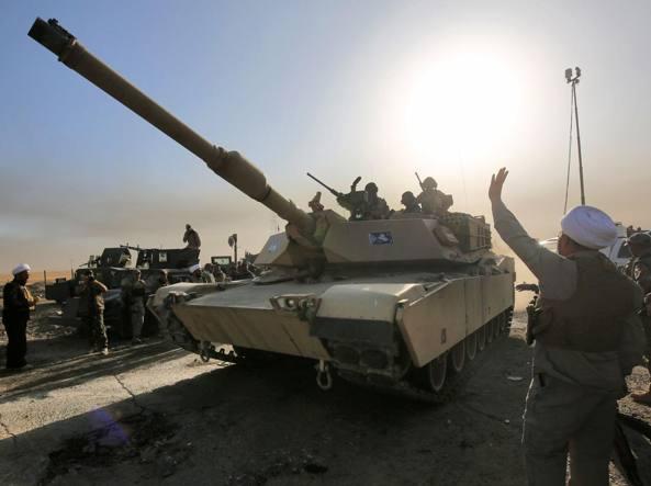 Iraq: elicotteri Usa Apache in azione a Mosul
