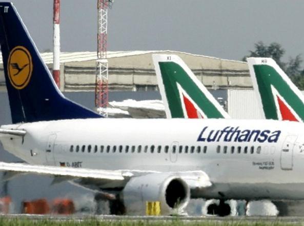 Alitalia, ipotesi di accordo con Lufthansa: colloqui già avviati