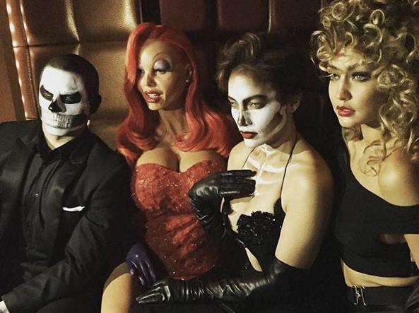 Beau Smart, da sinistra, Heidi Klum, Jennifer Lopez e Gigi Hadid (Instagram)