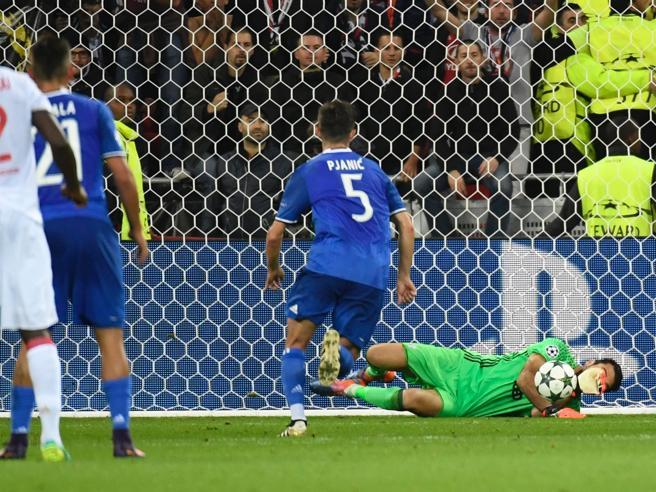 Champions League, Lione-Juventus 0-1Le pagelle bianconere: Buffon il salvatore