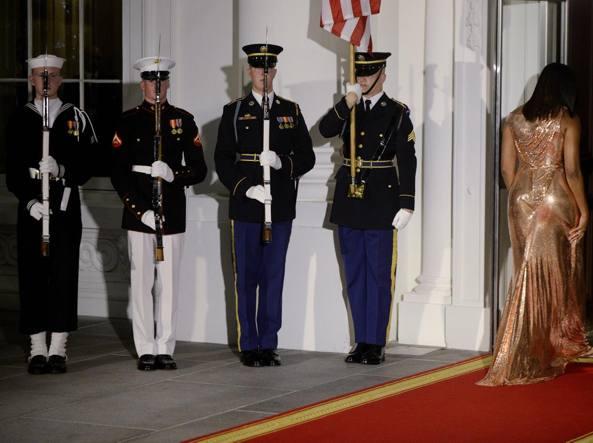 Michelle Obama in Versace: glitter e fascino Made in Italy