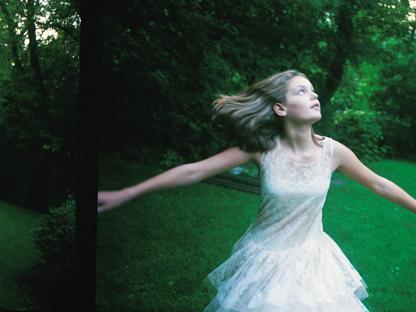 Un'immagine dal film �Il giardino delle vergini suicide� di Sofia Coppola