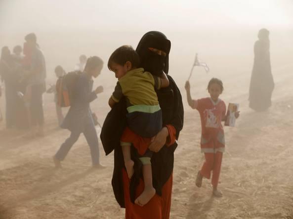 Offensiva anti Isis su Mosul, vertice di Carter con i curdi