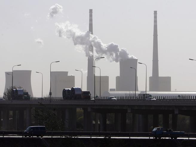 """Record di gas serra nell'atmosfera  Ora di infrangere  """"tabù"""" trasporti"""