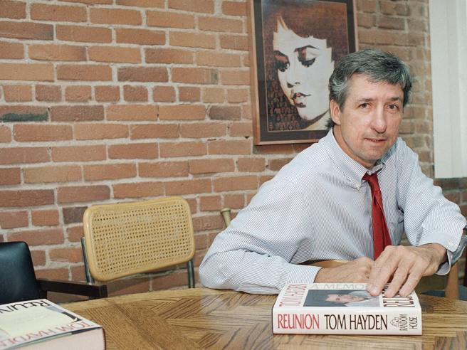 Morto Tom Hayden, simbolo del pacifismo ed esponente della sinistra democratica