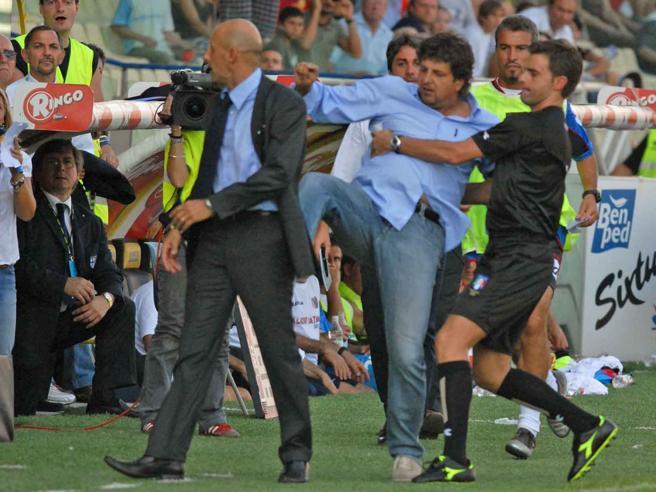 Calcio e nervi: quando gli allenatori litigano Non solo Mou, partite che finiscono in rissa