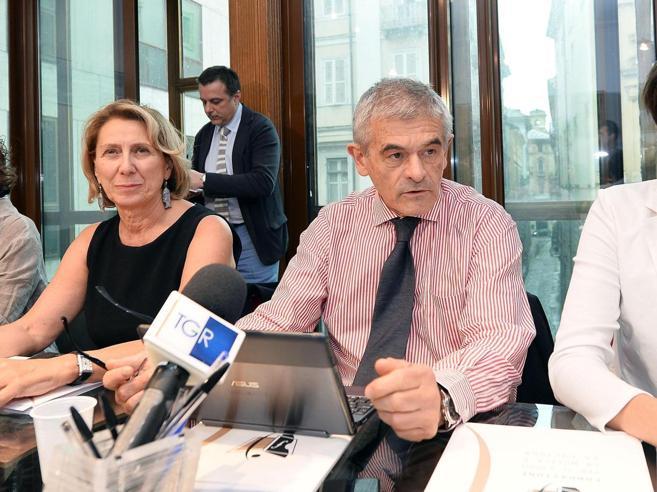 Il sos di Chiamparino:  «La sindaca Appendino  decide   da sola, Torino a  rischio declino»