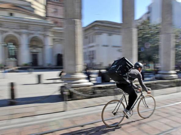 UberEats a Milano e la cena te la porta a casa Uber