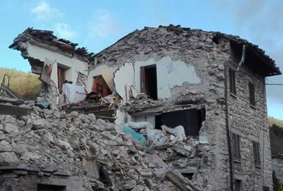 Terremoto 26 ottobre in migliaia senza casa - Casa senza fondamenta terremoto ...