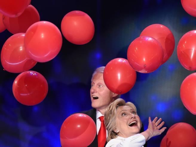 Donatori, carità e guadagni privati Gli intrecci d'affari di Bill e Hillary
