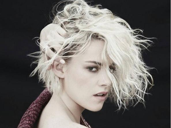 Kristen Stewart ha schiarito i capelli: da mora è diventata bionda (Instagram)