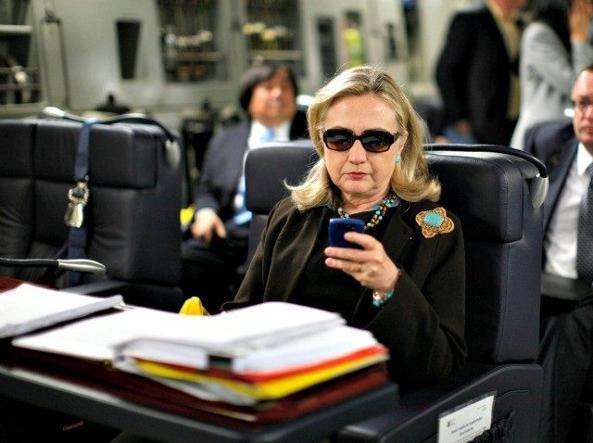 Usa: nuove mail, Fbi riapre indagine su Hillary Clinton