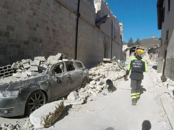 Terremoto: Italia da salvare. Crollata la basilica di San Benedetto di Norcia