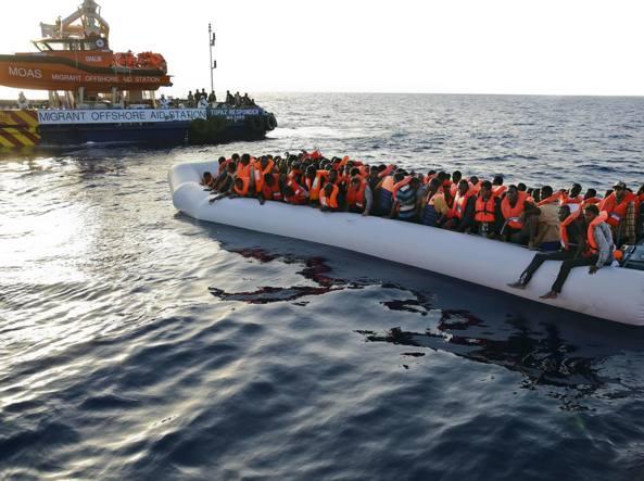 Migranti, ancora un naufragio vicino alle coste libiche. 240 dispersi, 29 salvati