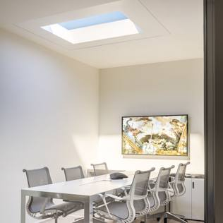 Sembrano finestre ma sono lampade coelux porta il cielo - Finestre a soffitto ...