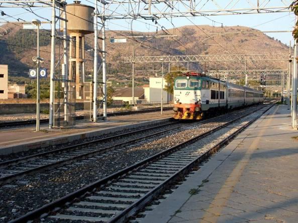 Ascoltava musica con cuffie ragazzo investito dal treno tra Bagheria e Ficarazzi